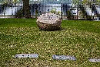 Paul Wellstone - Paul Wellstone marker Sheila Wellstone marker