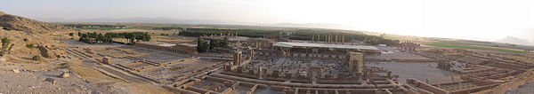 نمای پانورامای شرقی-غربی از تخت جمشید