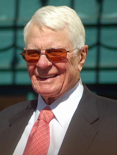 http://upload.wikimedia.org/wikipedia/commons/thumb/c/cb/PeterGravesStarOct09.jpg/451px-PeterGravesStarOct09.jpg