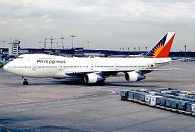 Philippine Airlines Boeing 747-283B (M); EI-BWF, December 1988 (5669249917).jpg