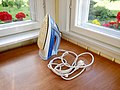 Philips EasyCare 3220 steam iron.jpg