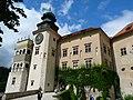 Pieskowa Skała Castle 11 - panoramio.jpg