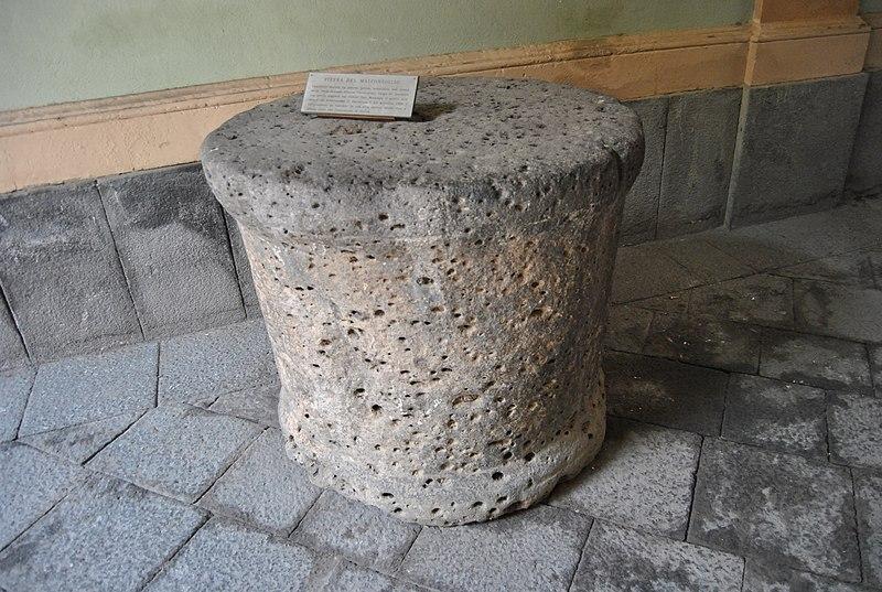 File:Pietra del Malconsiglio 2.JPG