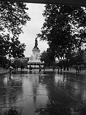 Place de la r publique paris wikip dia for Piscine miroir wikipedia