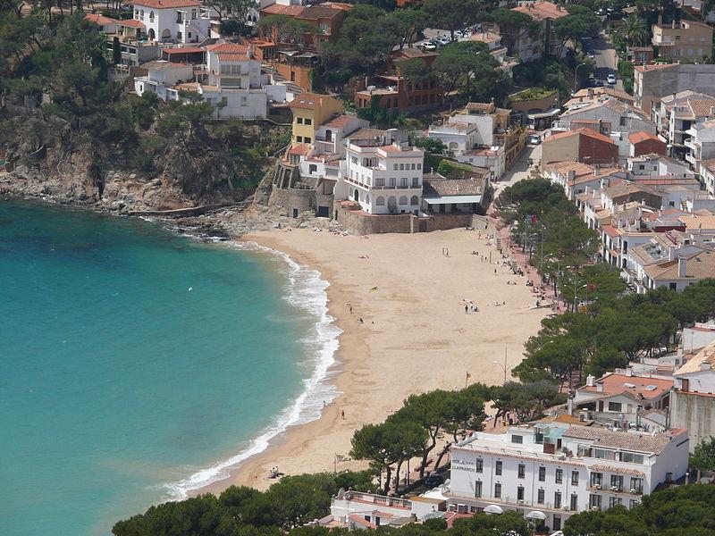 File:Platja de Llafranc des de el Far Sant Sebastia 2.JPG
