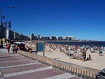 Praia em Montevidéu, capital do Uruguai.