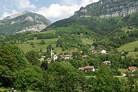 Pommiers la Placette - vue du village - 002.jpg