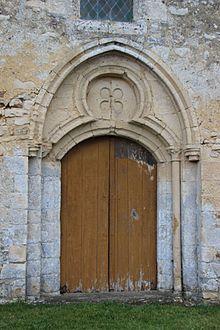 Portail église de Bray en Cinglay.jpg