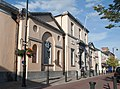 Portlaoise Main Street County Courthouse 2010 09 01.jpg