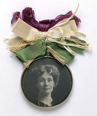 Women's Social and Political Union - Portrait badge of Emmeline Pankhurst, c.1909 – Sold in large numbers by the WSPU to raise funds for its cause – Museum of London