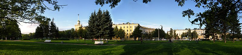 Privokzalnaya square Kolpino.jpg