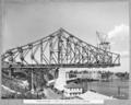 Queensland State Archives 3748 Erection stage 4 complete deck crane being erected Brisbane 4 August 1938.png