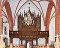 Röbel, Marienkirche, Blick durch das Kirchenschiff vom Altar aus.jpg