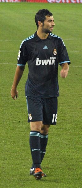 Albiol in 2009 in het shirt van Real Madrid