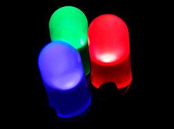 Червен, син и зелен светодиод по време