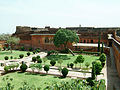 Rajasthan-Jaipur-Jaigarh-Fort-compound-Apr-2004-01.JPG