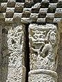 Reich geschmückt, die romanische Apsis (12. Jahrhundert) der Kirche Saint-Vivien-de-Medoc. 3.jpg