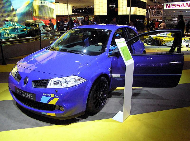 Ficheiro:Renault Megane 2006 Salao Internacional do Automovel.jpg