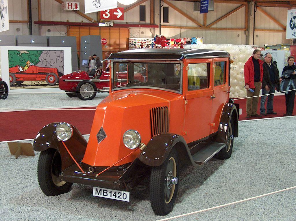Dresines, tractors de maniobres, vehicles de via i obres i d'altres andròmines de via estreta. 1024px-Renault_nn_1926_06011701