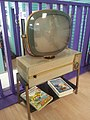 Retro Television (13300809544).jpg