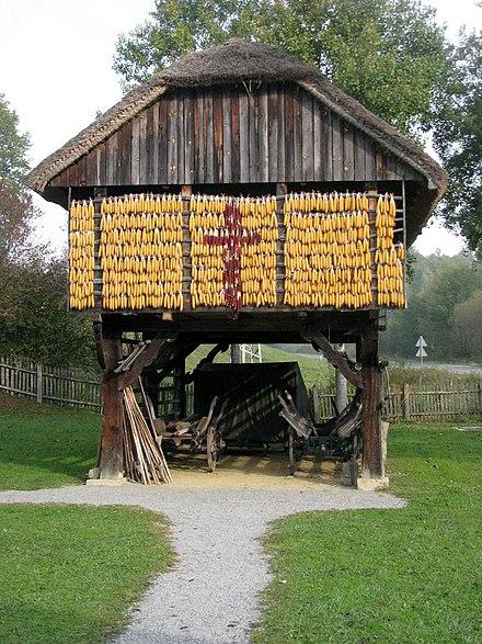 Un kozolec nel museo all'aperto di Rogatec (SLO)