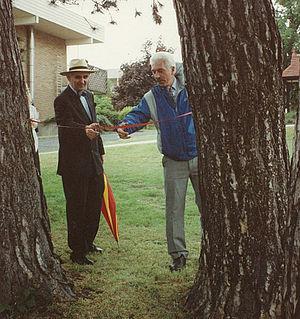 Peter Saville (psychologist) - Roger Holdsworth and Peter Saville open the SHL Management Centre Golf Course.