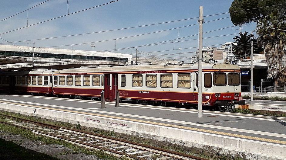 Roma Express Stazione Ostiense.jpg