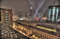 Rooftop view of Union Station, Toronto, at night.jpg