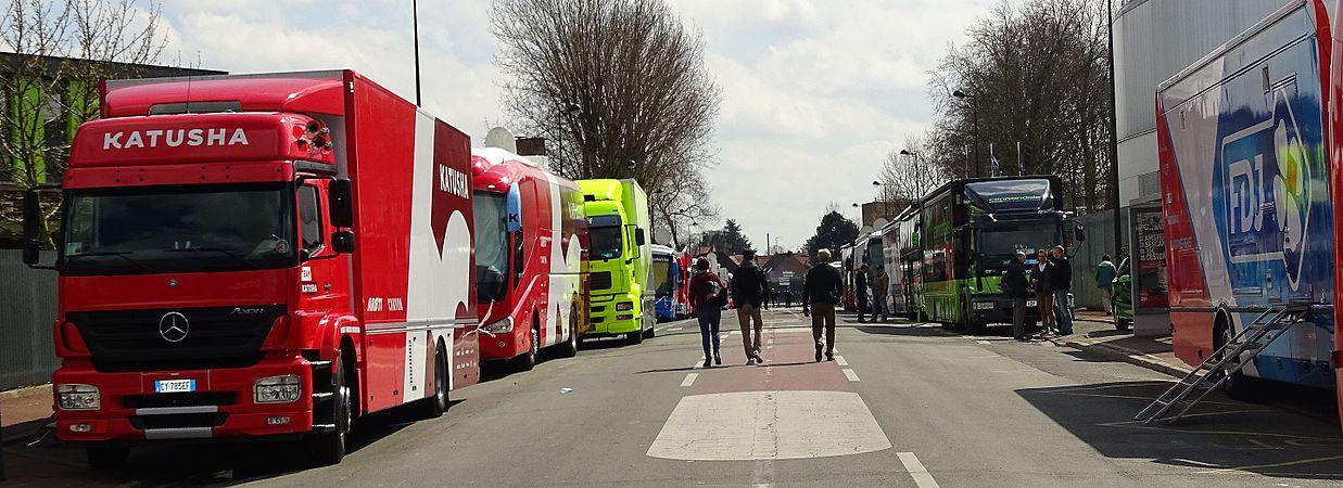 Roubaix - Paris-Roubaix juniors & Paris-Roubaix, 10 avril 2016, arrivée (A09).JPG