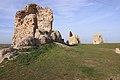 Ruinas de torres de muralla exterior del Castillo de Turégano.jpg