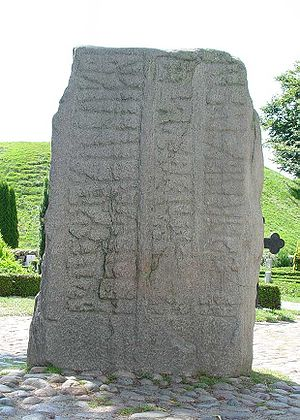 Gorm the Old - Runic stone for Thyra, back side