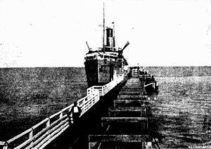 SS Koombana, Broome jetty, ca. 1911.jpg