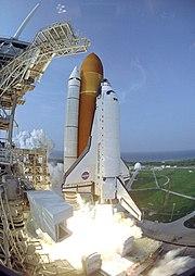 STS-118 Endeavour Launch 2007Aug08 (KSC-07PP-2288)