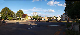 Sainpuits(Yonne)-place-06.JPG