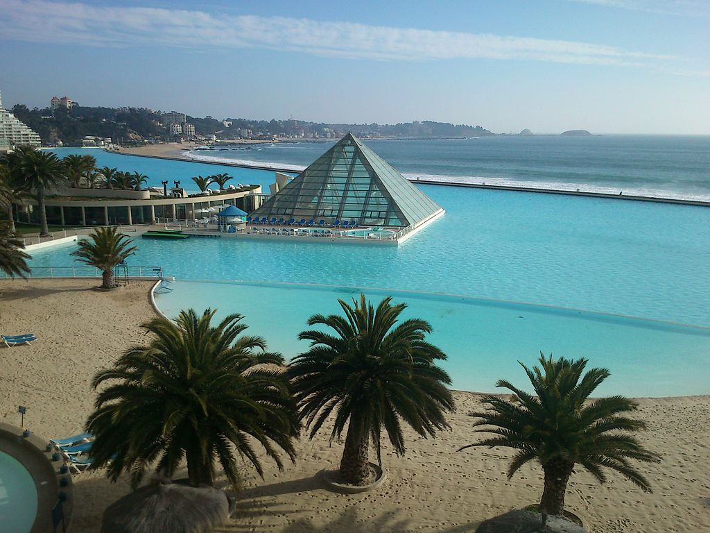 Top 10 Awesome Pools And Ponds Toptenz Net