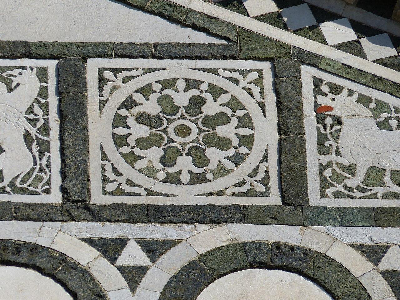 San Miniato al Monte, Firenze, la facciata di San Miniato, particolare