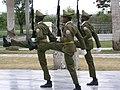 Santiago de Cuba - Garde au Mausolée José Marti.JPG