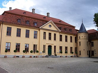 Schloss stavenhagen august2005.jpg