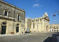 Scorcio Piazza Pio XII Cursi.jpg