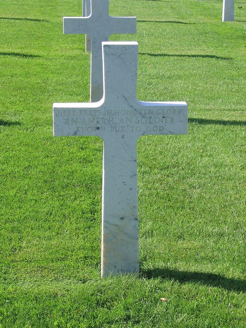 Seringes-et-Nesles Oise-Aisne American Cemetery - Unknown Soldier.jpg