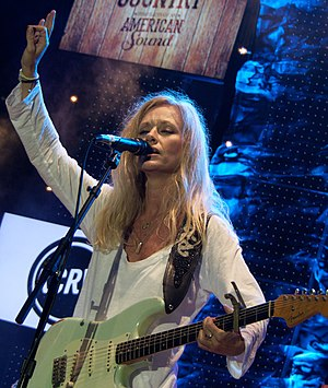 Shelby Lynne - Lynne performing in 2014