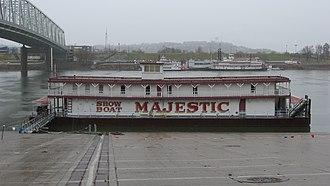 Majestic (riverboat) - Image: Showboat Majestic at Cincinnati