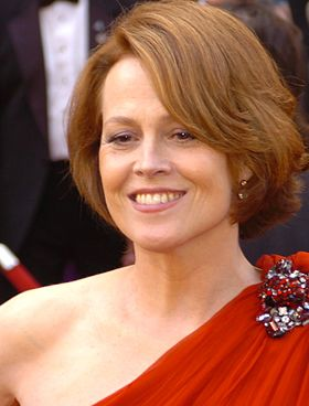 Sigourney Weaver @ 2010 Academy Awards cropped.jpg