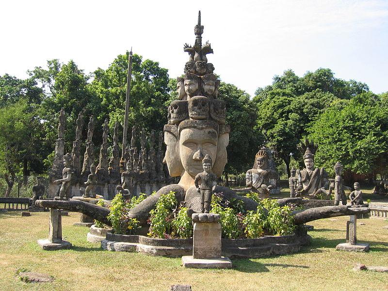 File:Skulptur 2 Buddha Park Vientiane Laos.jpg