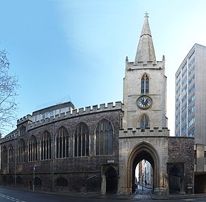 Church of St John the Baptist, Bristol - St John's church showing the gateway over the city wall