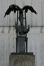 Statue Maastricht - Eagle protects St Servatius 20100501.JPG