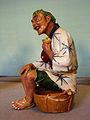 Statuette japonaise faïence Musée Saint-Remi 328 05.jpg