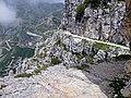 Strada delle Gallerie, Strada della Prima Armata mit Blick zum Rifugio Generale Papa - panoramio.jpg