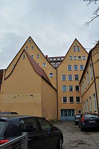 Stralsund, Fährstraße 29 30, Hof zur Schillstraße (2012-03-11), by Klugschnacker in Wikipedia.jpg
