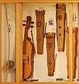 Stringed percussion instruments - Soinuenea.jpg